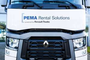 Optisch sind die Mietfahrzeuge der Kooperation an der Aufschrift PEMA Rental Solutions powered by Renault Trucks zu erkennen. (Bild: Pema)