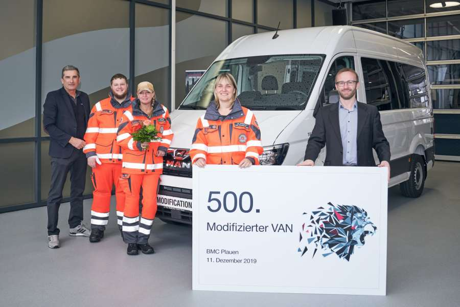 Der 500. modifizierte MAN-Van am Start. Foto: MAN